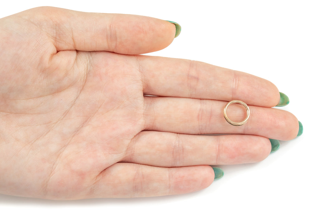 Victorian 9ct Gold Faceted Split Ring, (13mm)