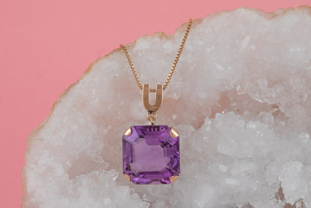 "9ct Gold Amethyst Pendant (14.30ct), with 18 & 1/2"" Chain"