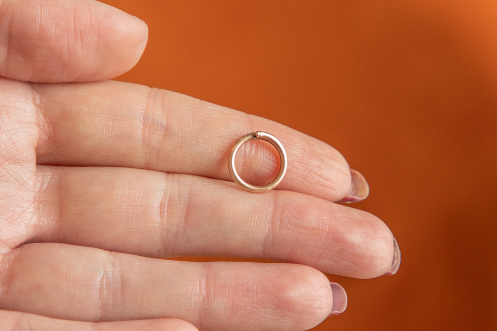 Victorian 9ct Gold Smooth Split Ring, 12mm
