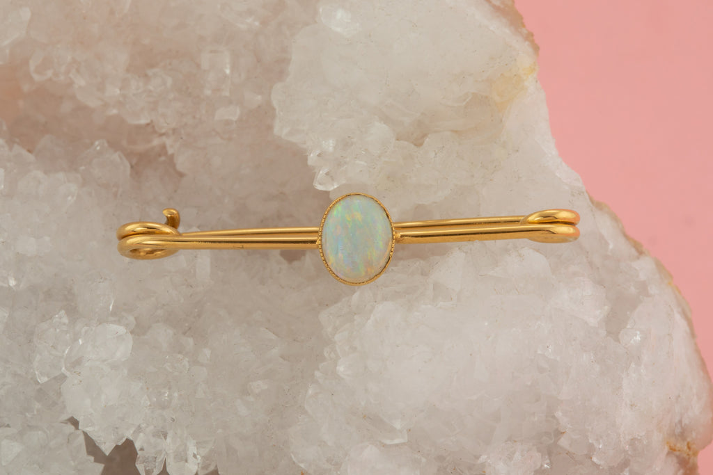 Edwardian 15ct Gold Natural Opal Brooch (0.50ct)
