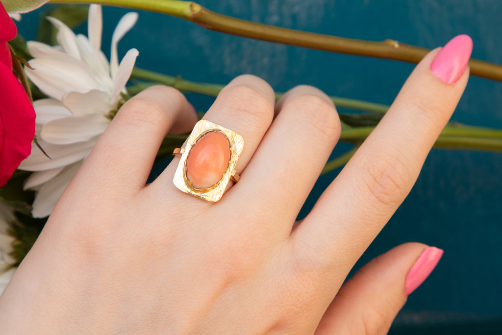Art Deco 18ct Gold Coral Panel Ring