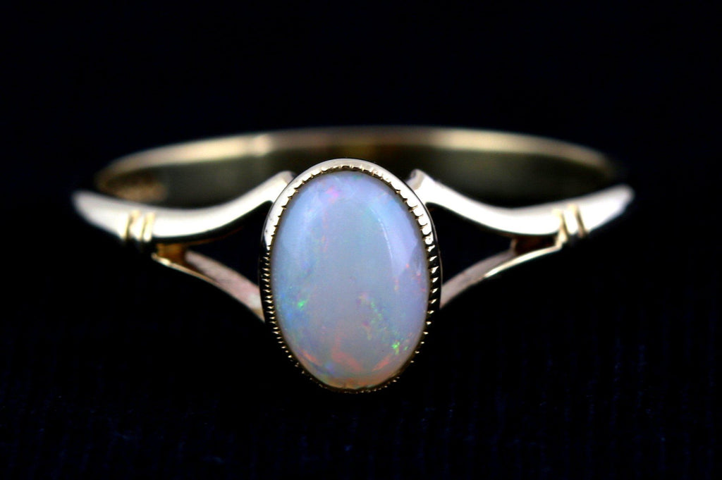 Sweet Vintage 9ct Gold Opal Stacking Ring - c.1984