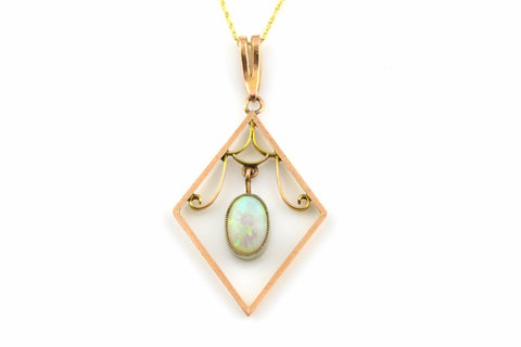 Beautiful Art Nouveau 9ct Gold Opal Pendant, with Chain- Circa 1910