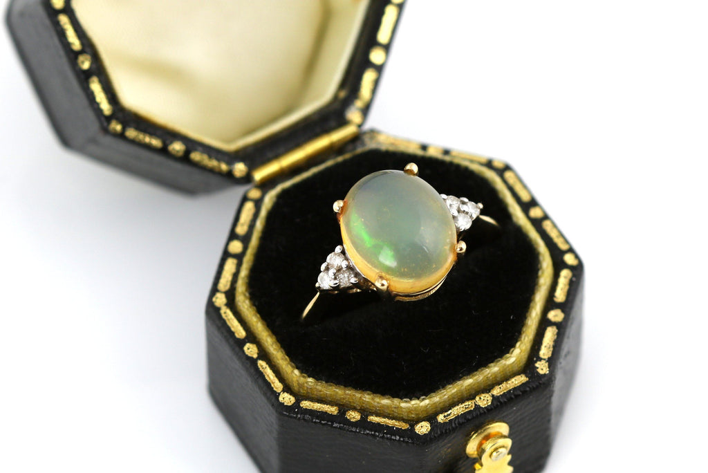 Stunning 9ct Gold 2.53ct Welo Opal and Diamond Dress Ring