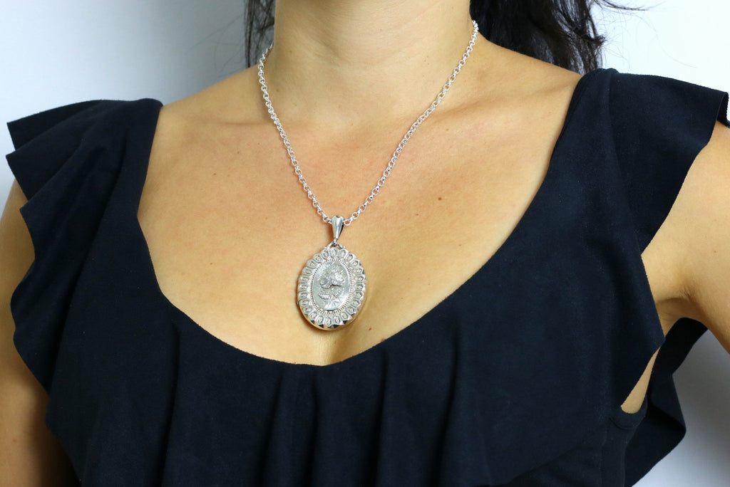 "Victorian Aesthetic Silver Locket c.1881, with 18"" Chain"