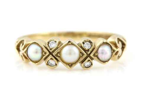 Beautiful 9ct Gold Vintage Pearl & Diamond Ring - c.1980