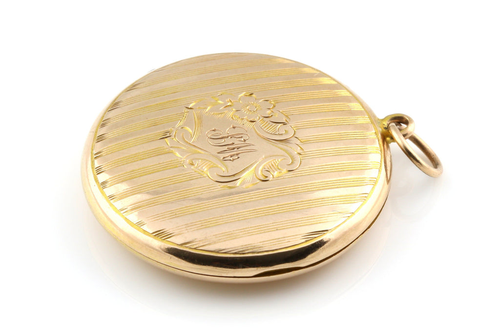 Art Nouveau 9ct Gold Locket - Circa 1911