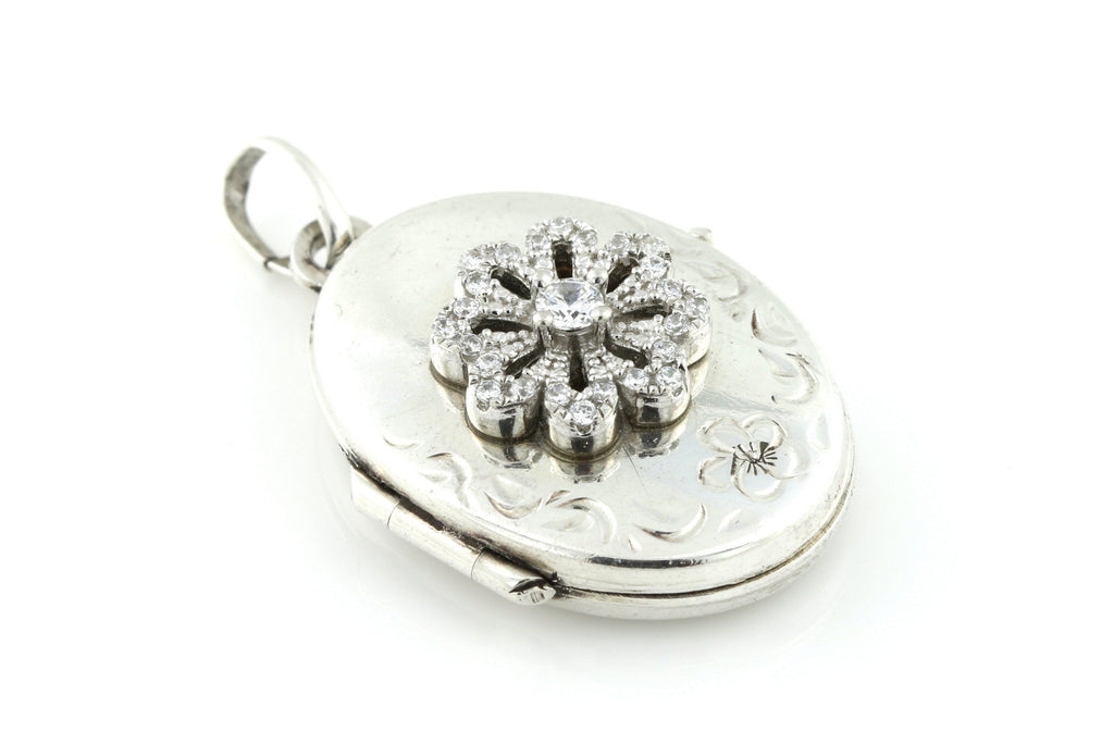 Pretty Vintage Silver Locket with Flower Motif