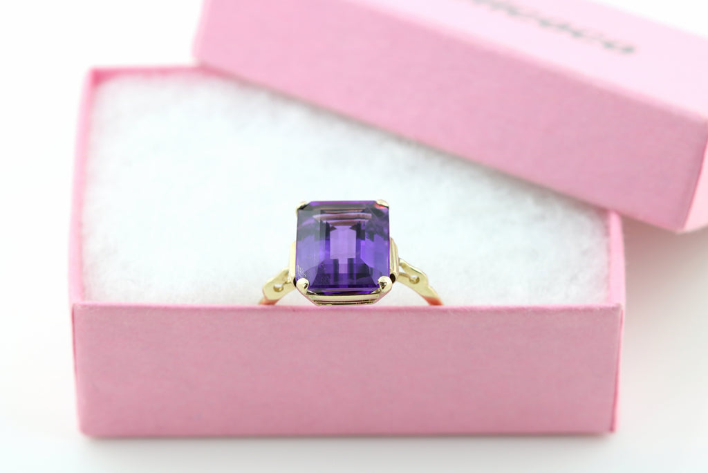 "RESERVED FOR ""J""!-  Fabulous 9ct Gold Art Deco Amethyst Ring (6.05ct)- c.1920"