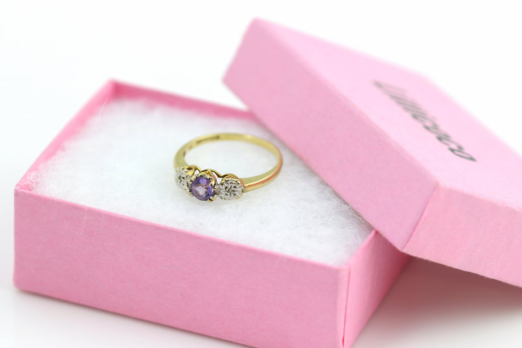 Sweet Vintage 9ct Gold Amethyst Diamond Trilogy Ring