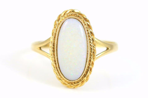 Beautiful Vintage Opal 9ct Gold Ring - Circa 1988