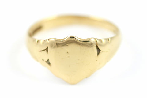 Large 9ct Gold Shield Shaped Signet Ring - Circa 1965