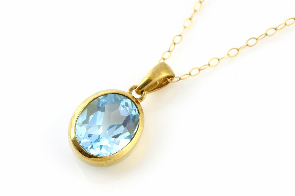 Pretty 9ct Yellow Gold Bezel-Set Topaz Pendant & Chain