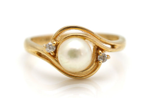 Beautiful 14ct Gold, Diamond & Pearl Dress Ring