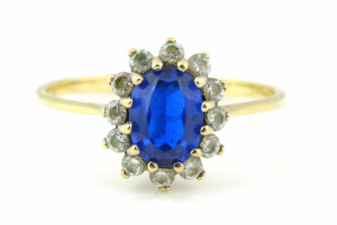 Pretty 9ct Gold Sapphire Glass Cluster Ring