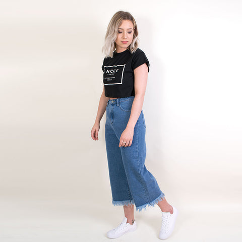 gabriela cropped flared jeans with frayed hem an239
