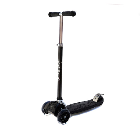 LA SPORTS MAXKICK BLACK 4 WHEEL FOLDING TRI SCOOTER WITH FREE LED LIGHT UP WHEELS SUITABLE USER WEIGHT: 20KG - 80KG - HIKS