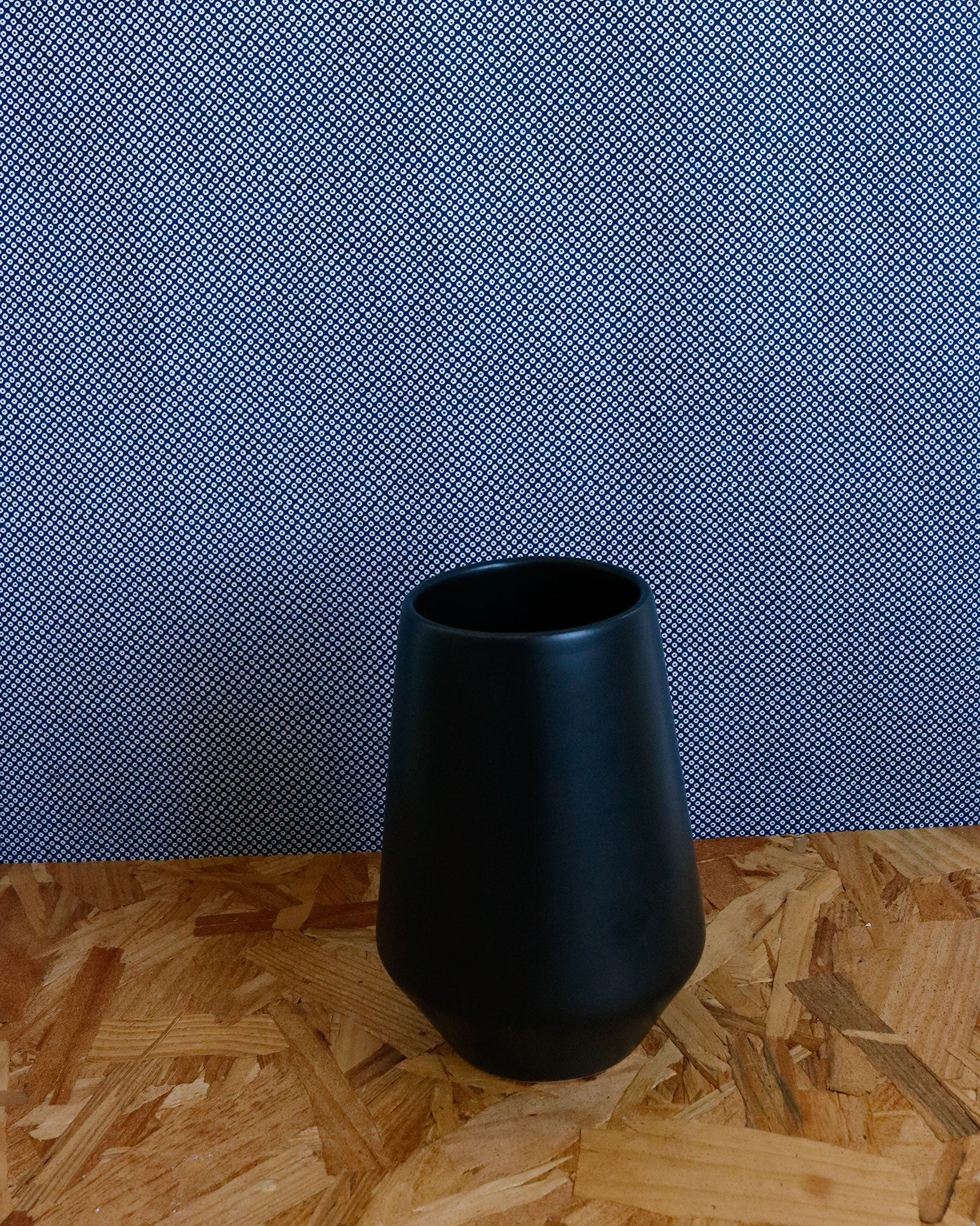 Deco Vase in Black