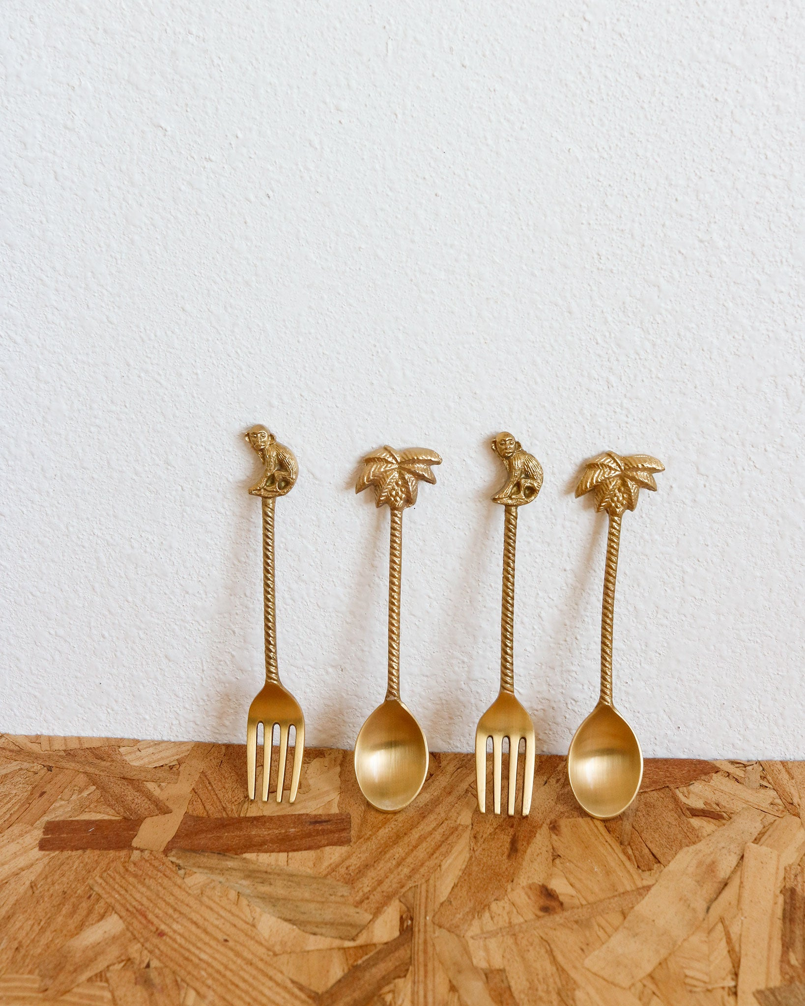 Majestic Dessert Flatware in Brass