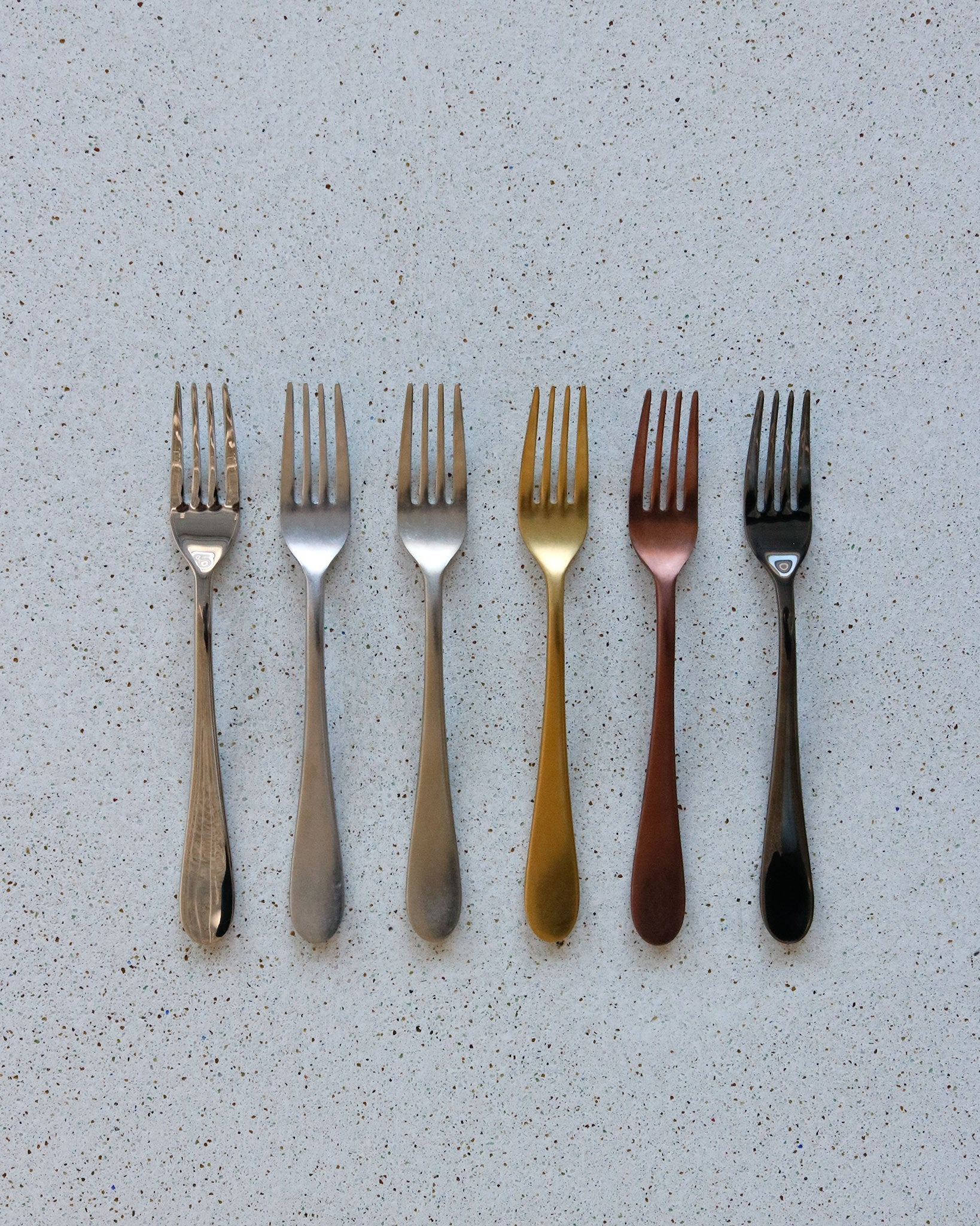 Rounded Flatware in Matte Gold