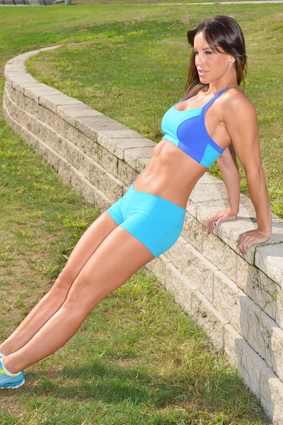 Turq-Blue Sports bra &Shorts SET -Med