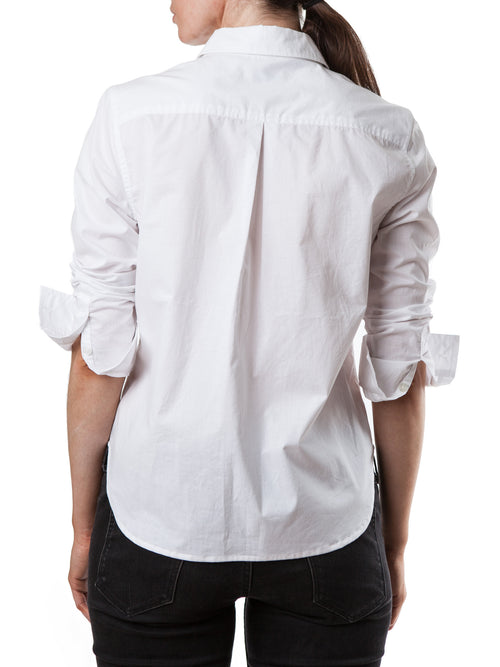<b>White shirt</b><br><i>Cotton</i>