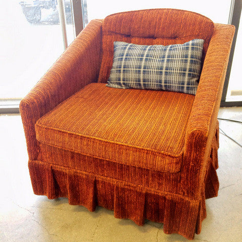 Petit Chair with Ruffled Skirt
