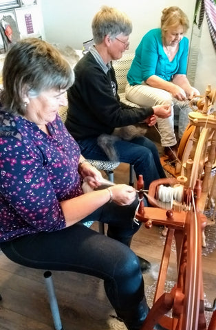 Beginners introduction to using a spinning wheel