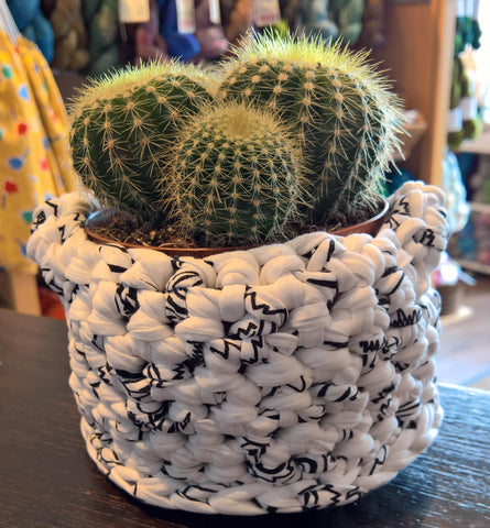 Pots of Crochet!