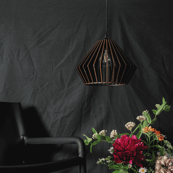 L.32 Lamp Wide Black