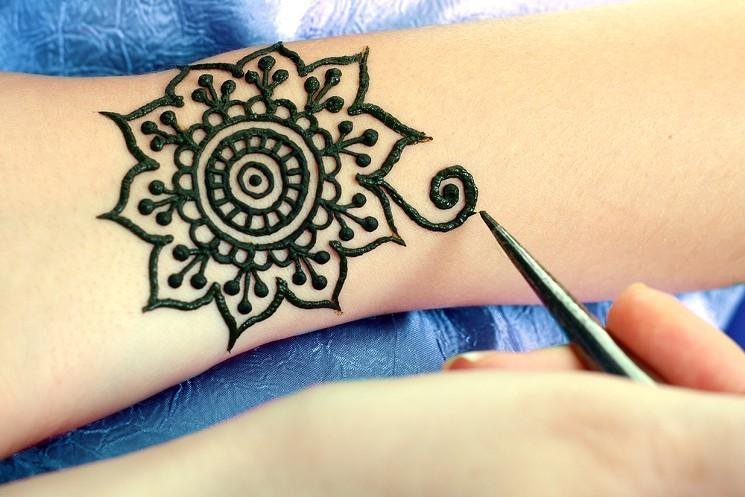 Henna Tattoo How To : How to do henna tattoos great for parties make