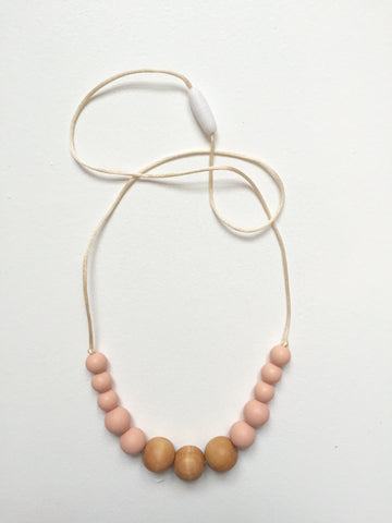 Scandi Necklace | Peach
