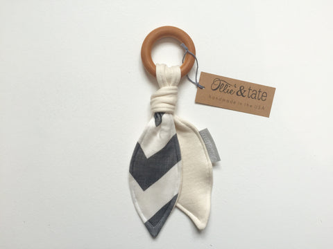Organic Wood Teether | Grey Chevron