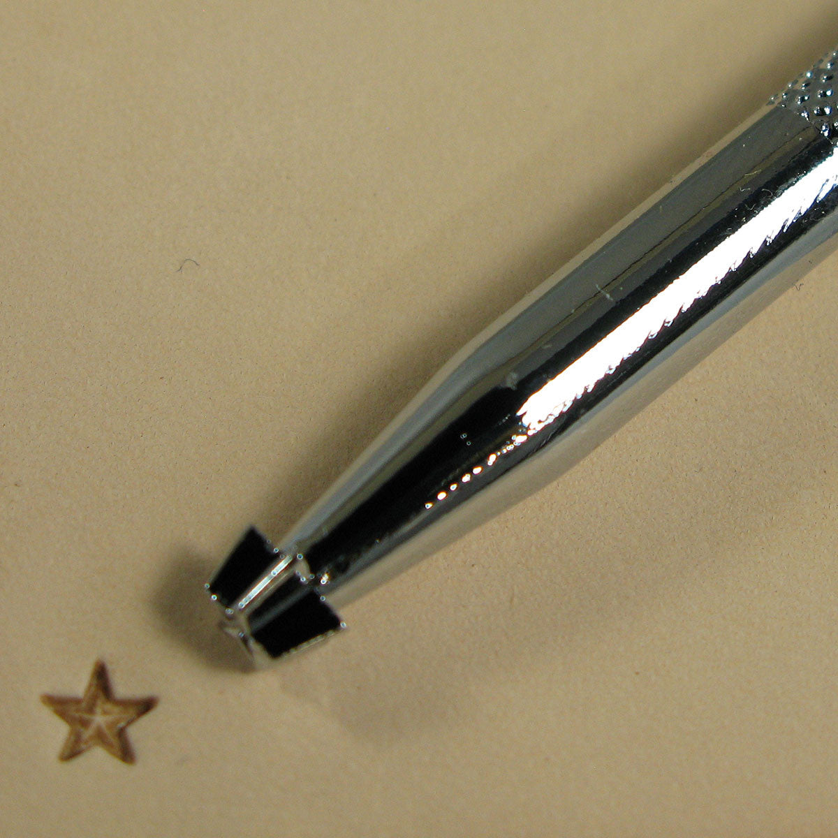 Image of Z610 - Z610 Small Star Leathercraft Stamp 6610-00