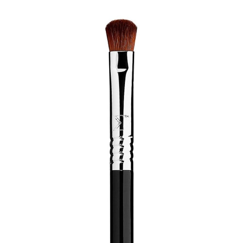 Sigma Beauty E54 Medium Sweeper Brush - Count On Us
