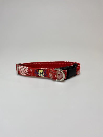 ".75"" Wide, 10-16"" long, plastic buckle, Retro Snowflakes"