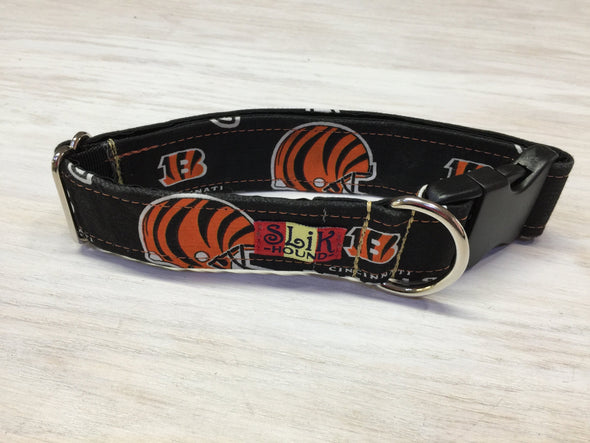 "1.5"" Wide, 13-23"" long, plastic buckle, Bengals Theme Collar"