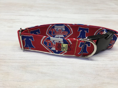 "1.5"" Wide, 13-23"" long, plastic buckle, Phillies Theme Collar"