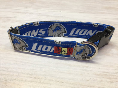 "1.5"" Wide, 13-23"" long, plastic buckle, Lions Theme Collar"