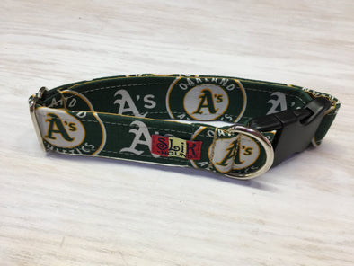 "1.5"" Wide, 13-23"" long, plastic buckle, A's Theme Collar"