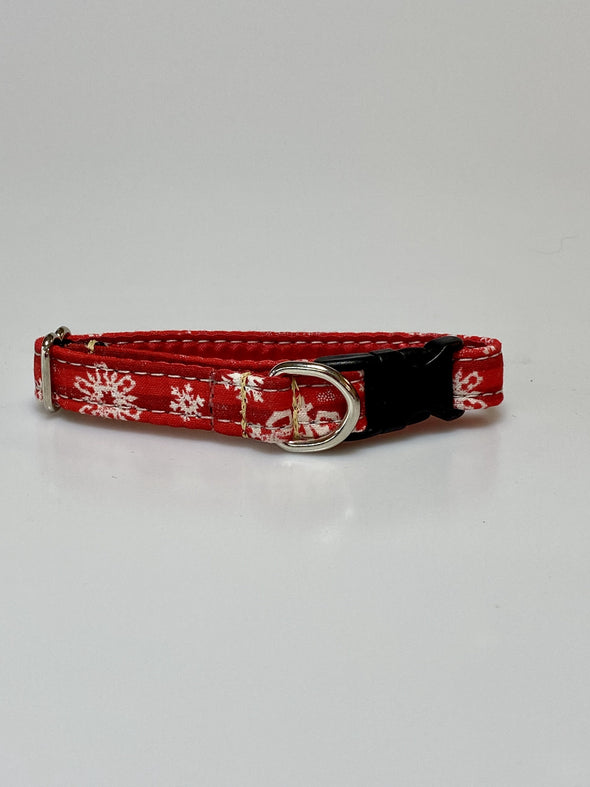 ".5"" Wide, 6-10"" long, plastic buckle, Retro Snowflakes"