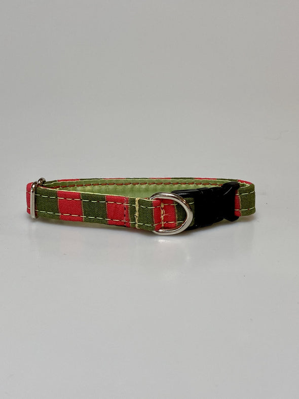 ".5"" Wide, 6-10"" long, plastic buckle, Santa's Helper"