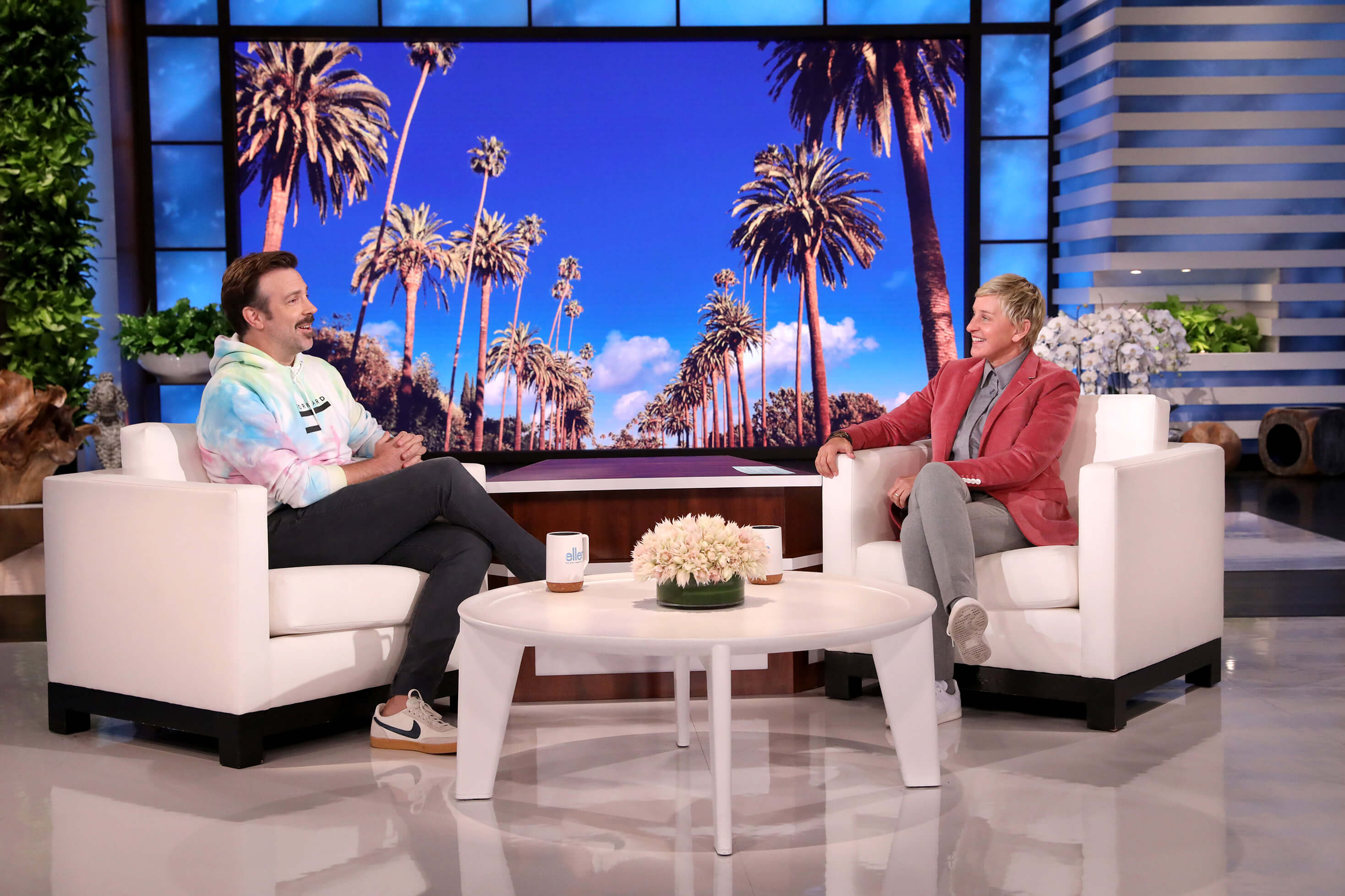 Jason Sudeikis Loves the New Ellen Mugs