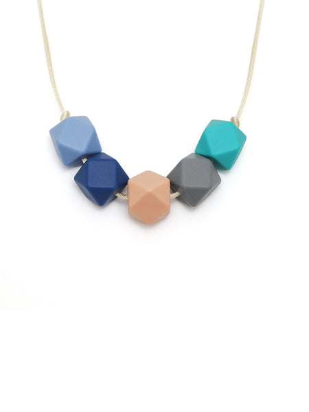 Lily silicone teething necklace from Lara & Ollie