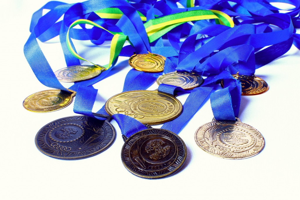 Your Many Options for Award Medals