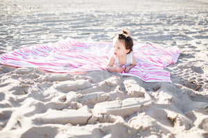 A CHECKLIST FOR TAKING YOUR BABY TO THE BEACH