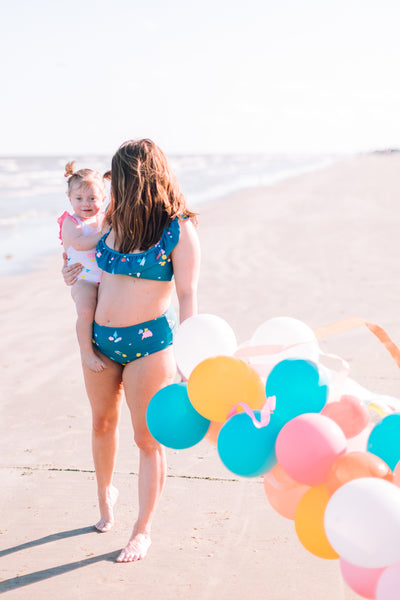 sugar and cloth mommy and me matching swimsuits olivia and ocean diy blogger