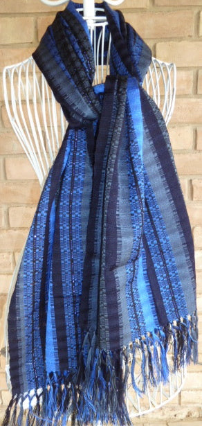 Light hand-woven cotton shawl