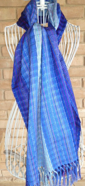 Light hand-woven cotton shawl 2