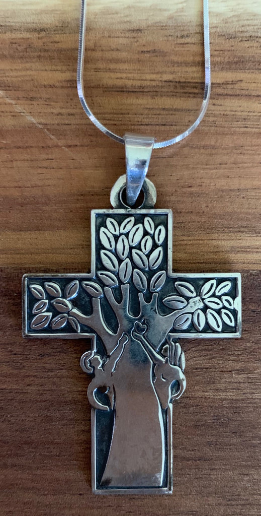 "Sterling silver cross (Garden of Eden) with 18"" sterling chain"